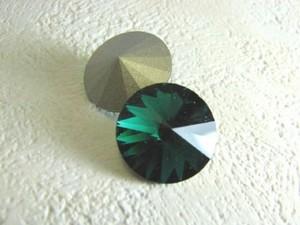 スワロフスキー リボリ emerald